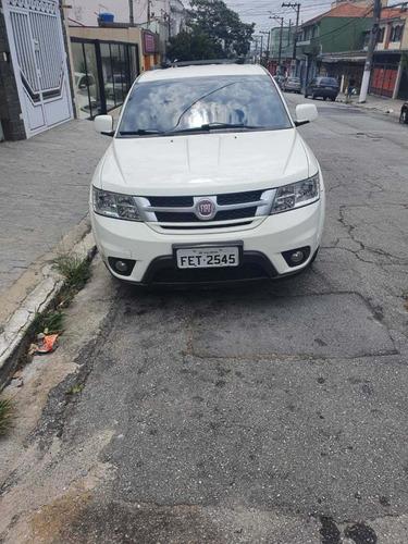Fiat Freemont 2012 2.4 Emotion 5p