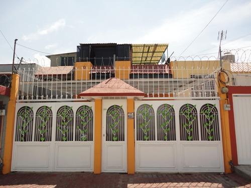 Bonita Casa Amplia 4 Recamaras