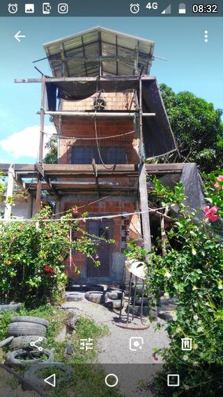 Duas Casas Uma De Dos Andares E Cobertura Outra De 6x4