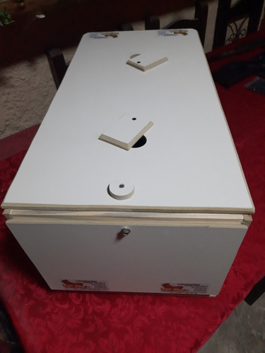 Imagen 1 de 4 de Incubadora Para 60 Huevos Automatica.