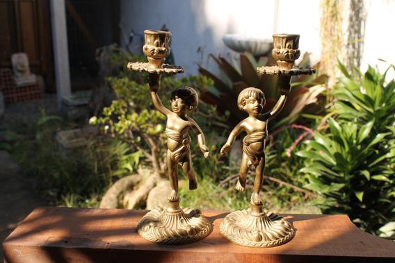 Antigo Par De Castiçais Europeu - Meninos - Bronze Ou Latão