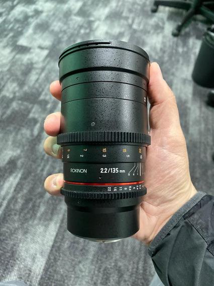Lente Rokinon Cine Ds 135mm T2.2 Telephoto Cine Lens Mft