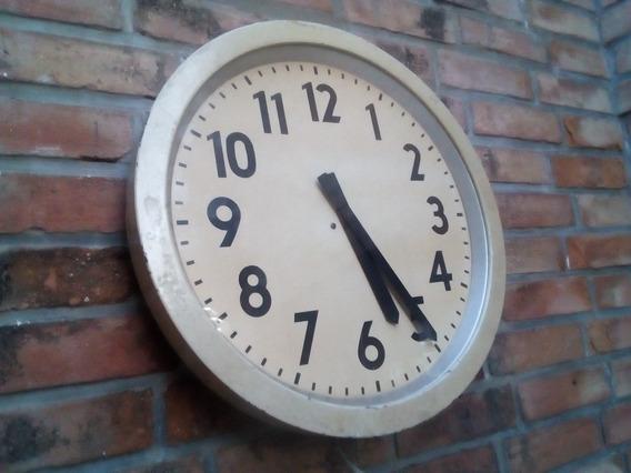 T-antiguo Reloj De Pared Electrico 220v. Funcionando 48 Diam