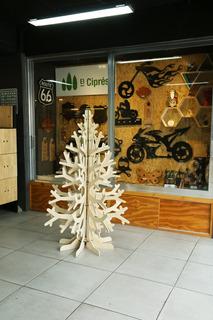 Árbol Pino De Navidad En Madera De 8 Ramas. Envió Gratis