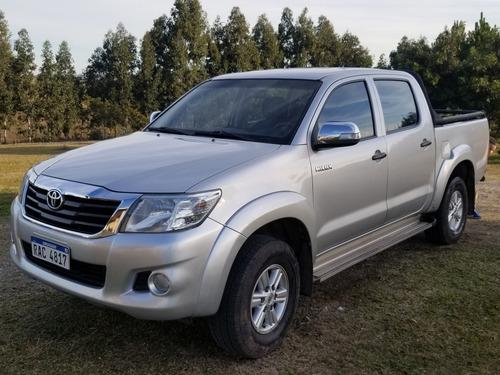 Toyota Hilux 2.7 Sr Nafta 4x2