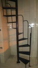 Fabricação E Instalação De Escadas Em Ferro