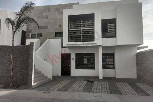 Venta De Departamento Duplex En Juriquilla Queretaro Planta Alta 3 Habitaciones Roof Garden Y Amenidades