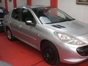 Peugeot 207 Passion 1.4 Xr Flex 4p Prata 2009/2010