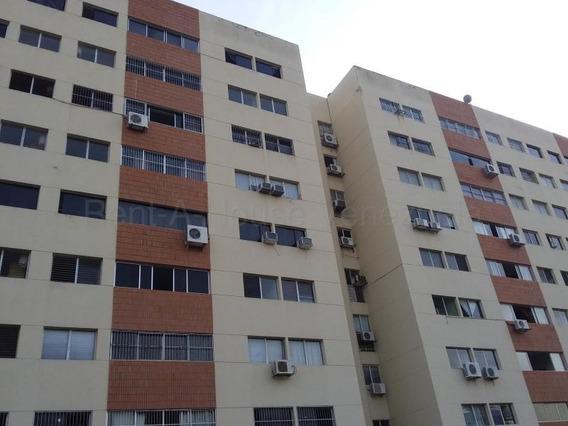Apartamento En Alquiler Este Lara 20 8519 J&m 04121531221