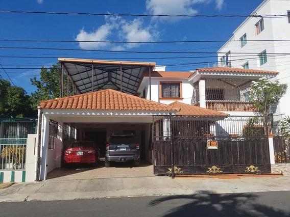 Se Alquilar Casa Amplia De 2 Niveles En La Terraza Santiago