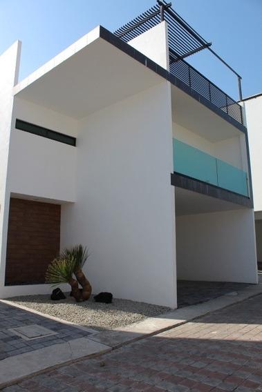 Casa Nueva Estilo Contemporánea En Fraccionamiento