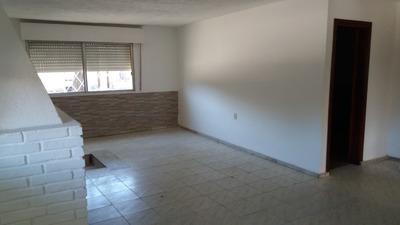 Casa De 3 Dorm., 2 Baños Y Garage.