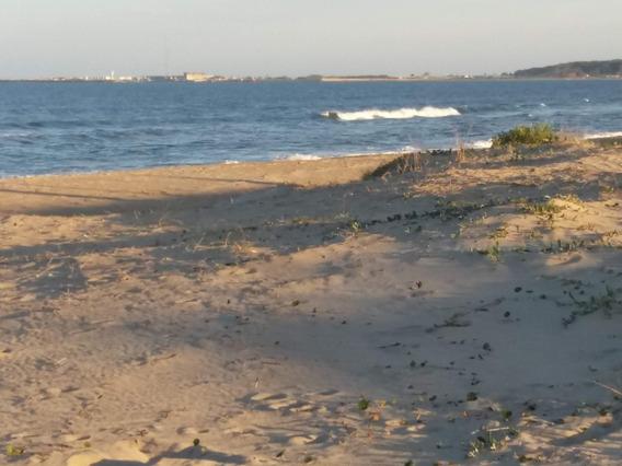 Terreno Frente Al Mar Sobre La Playa De Arachania.
