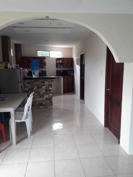 Casa 2 Cuarto, 2 Baños, Sala Comedor Cocina, Patio Garaje.