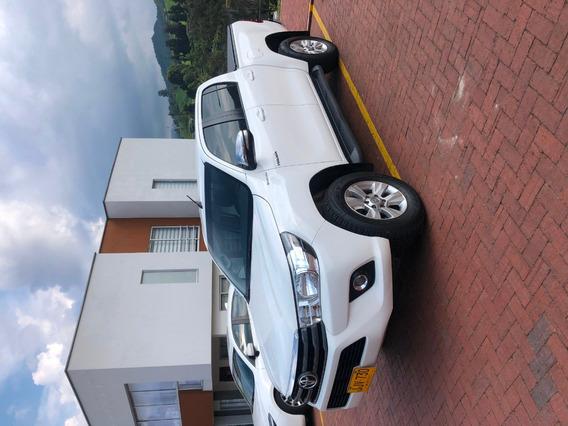 Toyota Hilux 2.400 Cm3 Diesel Mecanica 4x4
