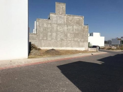 Terreno En Venta Excelente Ubicación, Residencial Terranova, Con Casa Club Y Alberca.