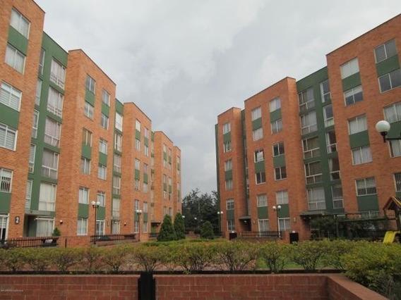 Apartamento En Venta En Modelia 20-215 C.o