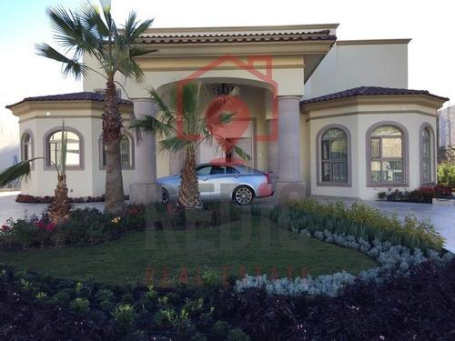 Lujosa Residencia De 4 Hab. En El Campanario Club De Golf Ln