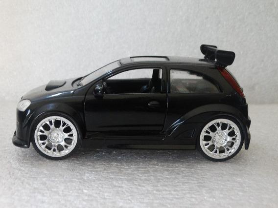 Opel Corsa Preto - Saico - 1:32 Loose