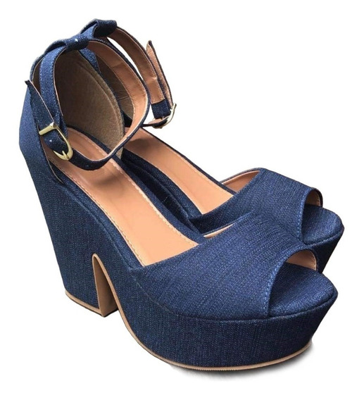 Sandalia Anabela, Salto, Plataforma Preta E Jeans