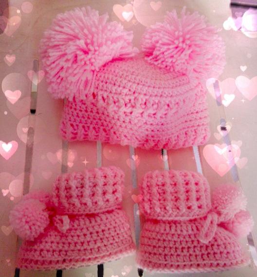 Botas Tejidas Con Gorra De Pompones Para Bebé Rosa