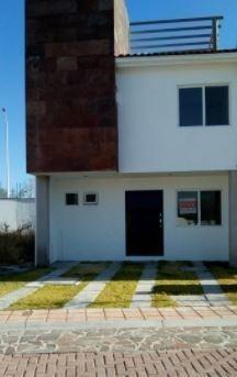 Preciosa Casa En Ciudad Maderas, Con Roof Garden, Estudio, 3 Recs, 2.5 Baños.