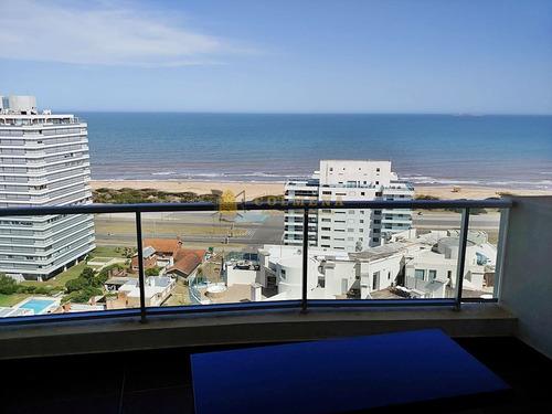 Apartamento En Venta  3 Dormitorios- Ref: 3955
