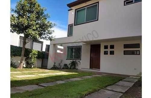 Casa En Renta Plazuelas De Zerezotla, Amplia Con Jardín Y Cuarto De Servicio