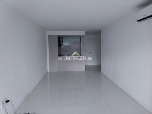 Departamento En Alquiler 2 Dormitorios.- Ref: 6650
