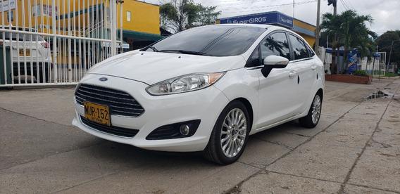 Ford Fiesta Titaniun - 2015