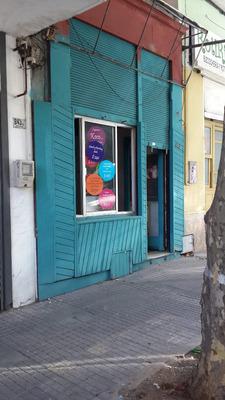 Excelente Local Comercial Con Entrepiso En Pleno Centro !!!