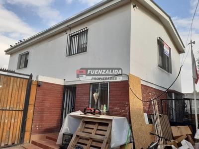 Casa En Venta De 1 Dormitorio En Peñalolén