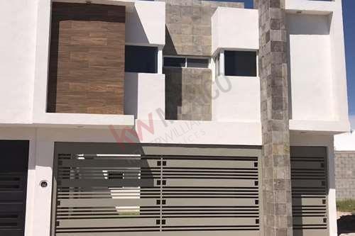 ¡nueva! Hermosa Casa En Venta, Super Equipada. Fraccionamiento San Marino. Torreón, Coahuila