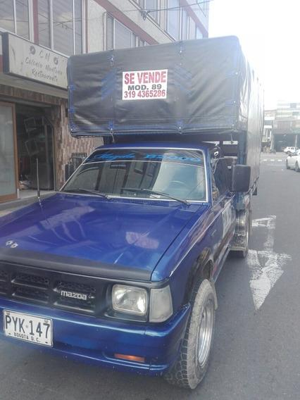 Mazda B2000 Estacas Publica