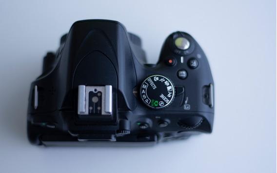 Câmera Nikon D5100 ( Só O Corpo) + 1 Bolsa Pequena.
