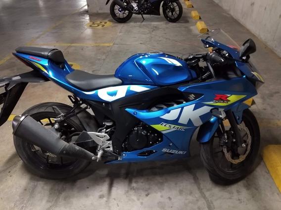 Moto Suzuki Gsx R150