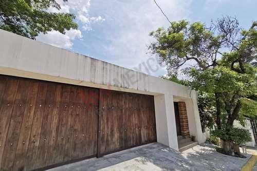 Casa De 1225.75 M2 De Terreno En Venta Ubicada En Lomas Del Sur