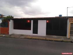 Casa En Alquiler En Los Olivos Maracay
