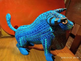 Toro Protector Alebrije Oaxaqueño Pieza Única. Azul Arte