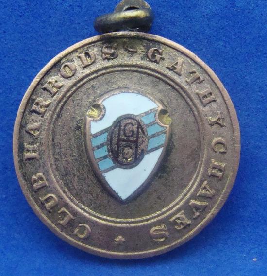 Medalla Club Harrods - Gath Y Chaves Futbol 1954