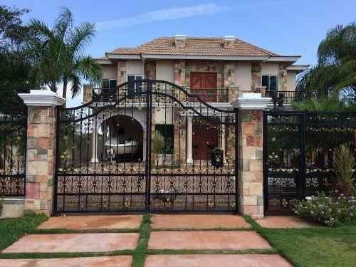 En Venta Casa Residencia Lagos Del Sol Impresionante C1909