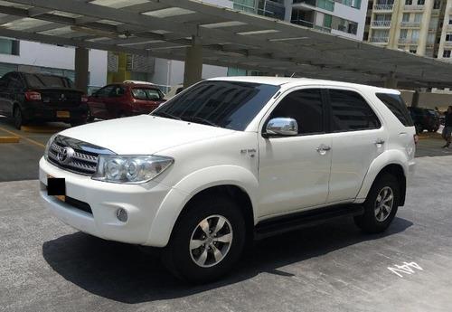 Toyota Fortuner 2011 4x2 2.7l