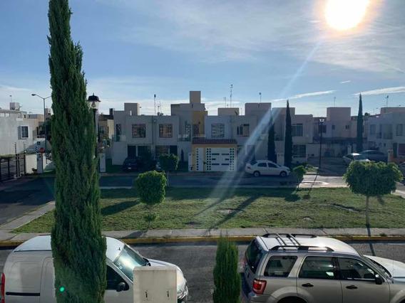 Casa En Fraccionamiento Las Américas