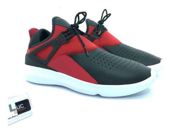 Tênis Nike Air Jordan Fly