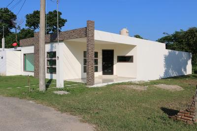 Casa 2 Recamaras, Patio Trasero Bardeado