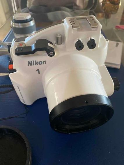 Nikon J1 Com Caixa Estanque