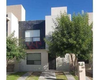 Casa En Renta Sonterra Queretaro Natura Iv 3 Habitaciones Sala De Tv En Privada