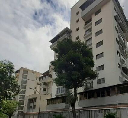 Avenida Victoria Apartamento Se Alquila