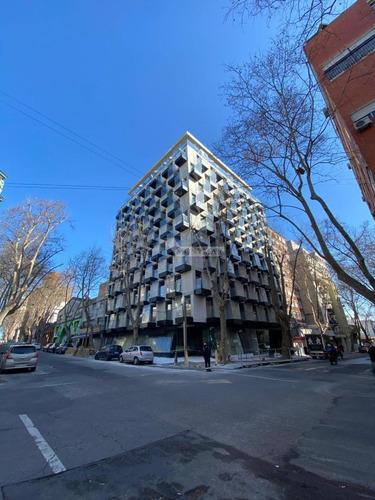 Apartamento Centro Alquiler Y Venta 1 Dormitorio Canelones Y Convencion Ed. Alma Corso