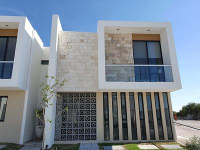 Excelente Residencial Edzná En Fracc. Cumbres Del Arroyo Qro